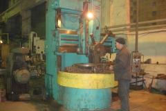 Цех механической обработки. Изготовление бронзового венца на карусельном станке.