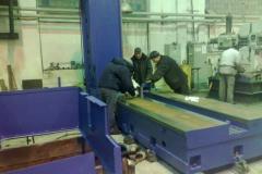 Монтаж оборудования в цехе механической обработки