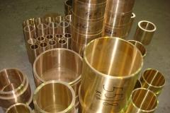 Бронзовые втулки различных диаметров с предварительной обработкой.